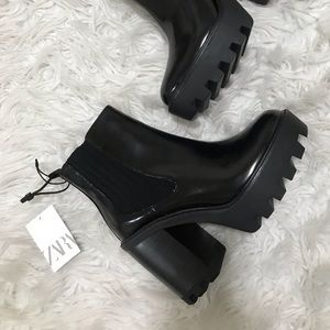 SOLD Brand new zara chunky patent black boots